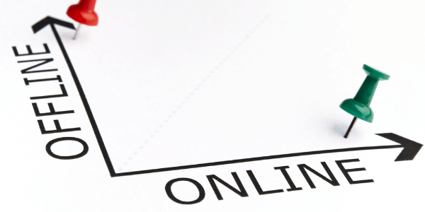 В чем отличия рекламы офлайн и онлайн?
